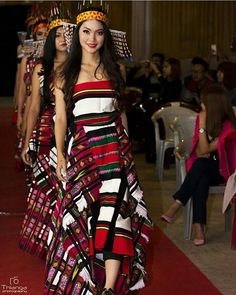 @sophie_tlau14 @thiangafesky #northeastyle #stayfashionablytraditional #mizoram Tribal Fashion, Modern Fashion, Fashion Models, Fashion Show, Fashion Outfits, Culture Clothing, Western Outfits, Traditional Dresses, Lounge Wear