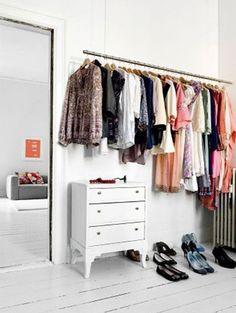 Knappe kledingrekken - Uit de kast: 15 kledingrekken die gezien mogen worden