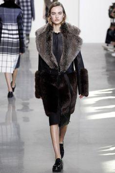 дубленка для 40-летней от бренда Calvin Klein