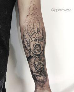 Tatuagem criada por Japa Art Work de Brasília. Tattoo em blackwork inspirada no desenho Dragon Ball Z.