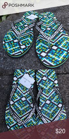 ec366c2c778c2 Vera Bradley Rain Forest pattern flip-flops New with tags and a negotiable  price!