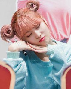Momo-san why si cute