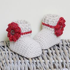 Crochet PATTERN (pdf file) - Camellia Baby Booties
