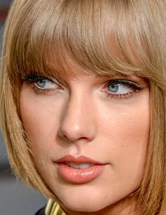 taylor swift at the 2016 vanity fair oscars afterparty  More taylor swift close-ups here.