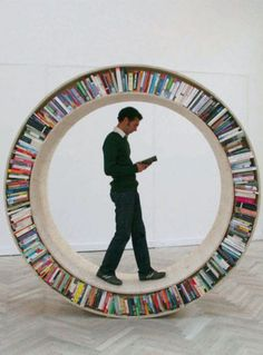 Take your library with you wherever you go if you have a hamster-wheel bookshelf! [Circular walking bookcase designed by David Garcia. Creative Bookshelves, Bookshelf Design, Round Bookshelf, Bookshelf Ideas, Tree Bookshelf, Round Shelf, Bibliotheque Design, Lillehammer, Sweet Home