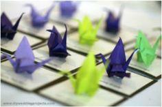 L'origami pour votre mariage, pensez-y ! Donnez du relief à vos faire-part, vos menus et vos marques places en les fabriquant en origami. Incontournable pour un mariage zen et japonisant, l'origami peut aussi être le support à d'autres thèmes de mariage.