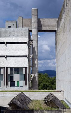 Couvent Saint Maria de la Tourette | Eveux-sur-l'Arbresle, France | Le Corbusier | photo © Cemal Emden