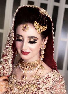 Makeup Artist in Delhi: Top 20 Trendy Indian Bridal Makeup Images Bridal Makeup Images, Best Bridal Makeup, Bridal Makeup Looks, Bride Makeup, Bridal Beauty, Pakistani Bridal Jewelry, Pakistani Bridal Makeup, Bengali Makeup, Dulhan Makeup