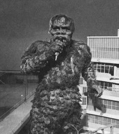 AND the girls in the band sing: Doo, Wah, Doo, Wah. Cool Monsters, Horror Monsters, Classic Monsters, Giant Monster Movies, Bizarre Photos, Japanese Monster, Fantasy Movies, Creature Feature, Old Movies