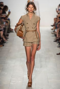 Michael Kors Spring 2014 RTW - Runway Photos - Fashion Week - Runway, Fashion Shows and Collections - Vogue Fashion Mode, Fashion Week, New York Fashion, Runway Fashion, High Fashion, Fashion Show, Fashion Design, Review Fashion, Spring Fashion