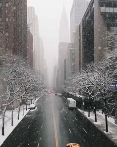 New York Discover Winter in New York Amazing New York - discover the best things to do in New York with MyLittleAdventure New York Trip, New York Life, New York City Travel, New York Winter, Winter In Nyc, City Aesthetic, Travel Aesthetic, Aesthetic Japan, New York Tumblr