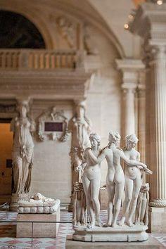 Inside the Louvre - Louvre Museum Louvre Paris, The Louvre, Montmartre Paris, Jardin Des Tuileries, Art And Architecture, Art History, Art Museum, Fine Art, Museums
