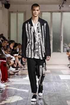 Yohji Yamamoto Menswear Spring Summer 2018 Collection in Paris