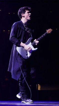 "John Mayer's new ""PRS-strat""."