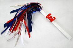 DIY Sparkless sparklers for kids for the Fourth of July using chopsticks, ribbon and party garland ~ great homemade party favor for little ones who are too young to handle the popular handheld fireworks 4th Of July Parade, 4th Of July Celebration, Fourth Of July, Diy Ribbon, Ribbon Crafts, Ribbon Wands, Crafts To Make, Crafts For Kids, Arts And Crafts