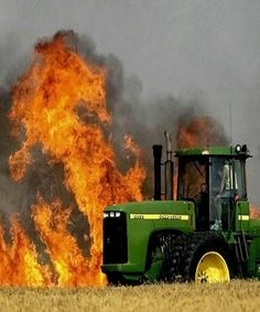 Check Out this Video of how the tractor in Aargau loses rows of burning hay bales ! #Switzerland #Video #tractor #Aargau #closeshotvideo Video Courtesy: https://www.facebook.com/schweizliebe/videos/1577556778942906/?hc_ref=ARShIzRW-2-tJosjwa2XvyW-vTJuYj4z8hIw_xJtyVQyueM_Ryg2I0Pkh9k-GtjSLCc Image Courtesy: https://www.pinterest.com/pin/313774299016678773/?lp=true