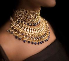 Abhikhya Triangle Kundan Choker Sets Kundan Sets gives you a wide range of Kundan and Polki jewelry, here you will get stunning designs of Kundan bridal jewelry, Kundan Necklaces , Polki Bridal Jewelry and polki necklaces. Kundan Set, Polki Sets, India Jewelry, Gold Jewelry, Fine Jewelry, Quartz Jewelry, Jewelry Model, Quartz Ring, Dainty Jewelry
