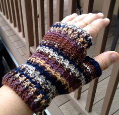 Crocheting: Easy Crochet Wristers