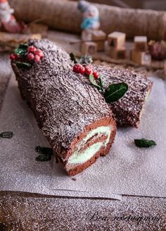 11 Postres y dulces para Navidad PARTE) Que nos pilla el toro! Xmas Food, Christmas Desserts, Christmas Treats, Menta Chocolate, Chocolate Blanco, Yule Log Cake, New Year's Cake, Recipes From Heaven, Cute Cakes