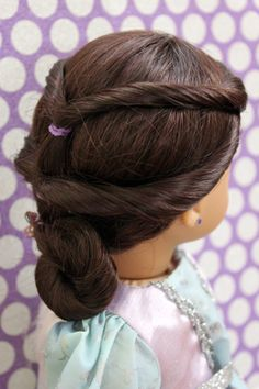 The Princess Bun, and Link to The Doll Mag! Royal Hairstyles, Bun Hairstyles, Pretty Hairstyles, American Girl Hairstyles, Ag Hair Products, Fairy Hair, My American Girl Doll, Doll Hair, Girl Dolls