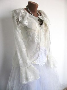 8 Authentic Tips AND Tricks: Winter Wedding Gowns Life wedding dresses blue pink.Wedding Dresses With Straps Sweetheart wedding dresses corset courset. Green Wedding Dresses, Wedding Dresses With Straps, Pakistani Wedding Dresses, Classic Wedding Dress, Wedding Dresses Plus Size, Designer Wedding Dresses, Wedding Gowns, Casual Wedding, Lace Wedding