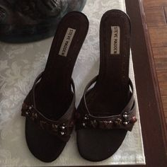 Brown Steve Maddon Brown Suede, Decorative Toe Trim, 2.5 inch heel, comfortable Steve Madden Shoes Heels