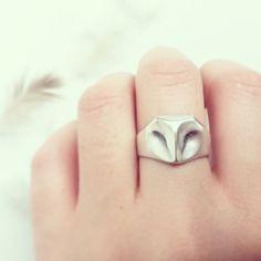 Elina Gleize: Geometric Owl Ring