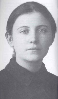 The Spirituality of St. Gemma Galgani, the Passion Flower of Lucca (This excellent article exploring the fervent spirituality of St Gemma. Catholic Saints, Roman Catholic, St Gemma Galgani, Angel Protector, Happy Feast, Novena Prayers, Beautiful Prayers, Mystique, Mother Teresa