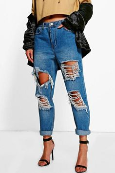 boohoo Ria Distressed Low Rise Boyfriend Jeans