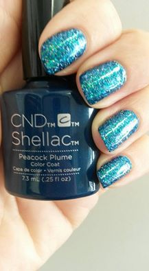 Julie Lynch - the wonderful Capri #nails #nailart #glitter #lovelecente