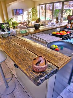44 Reclaimed Wood Rustic Countertop Ideas By using reclaimed wood on your countertops, you get a countertop that provides stunning beauty to your kitchen. You also conserve the environment by preventing the wood from going into the waste stream. Reclaimed Wood Countertop, Reclaimed Wood Furniture, Wood Countertops, Salvaged Wood, Recycled Wood, Live Edge Countertop, Reclaimed Timber, Pipe Furniture, Wood Cabinets