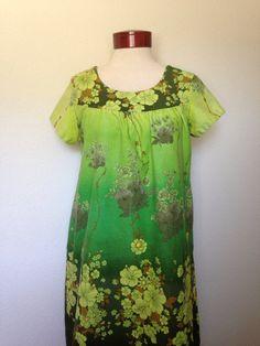 1960s vintage Ui Maikai dress, 60s barkcloth dress, Ui-Maikai Hawaiiana, retro tiki Oasis, psychedelic floral green Hawaiian dress, muumuu