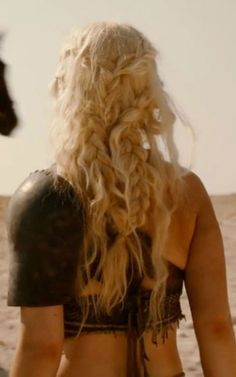 game of thrones I will figure out the hairstyle of the mother of dragons.