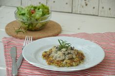 {Rezept} Kartoffel-Chia-Rösti mit Champignon-Rosmarin-Ragout