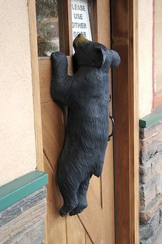 Rustic Bear Decor Rustic Bear Decor - This Rustic Bear Decor photos was upload on February, 3 2020 by Chad Pfannerstill. Here latest Rustic Bear Decor photos collection. Wood Carving Art, Wood Art, Wood Carvings, Chainsaw Carvings, Country Decor, Rustic Decor, Rustic Wood, Black Bear Decor, Cute Signs