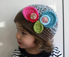crochet flower cap with buttons @Lorraine Gowen to make.