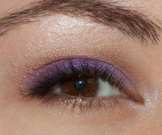 Want your brown eyes to POP? Try wearing purple like Makeup Fancy Grape, Sycamore, Whisper, and Butt Naked Purple Eyeshadow Looks, Brown Eyeshadow, Beauty Makeup, Eye Makeup, Hair Makeup, Makeup Guide, Makeup Ideas, Wearing Purple, Beauty Hacks