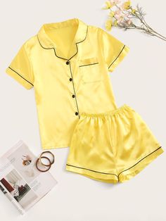 To find out about the Contrast Binding Satin PJ Set at SHEIN, part of our latest Pajama Sets ready to shop online today! Cute Pajama Sets, Cute Pjs, Cute Pajamas, Pj Sets, Pajama Outfits, Lazy Outfits, Night Outfits, Girl Outfits, Cute Outfits