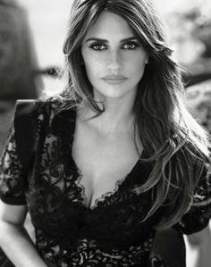 Penélope Cruz hot spanish actress and model #sexy #hot #celebs #famous #photography
