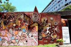 Inaugurado em 1º de julho de 2002, o Galpão das Artes Urbanas Helio G. Pellegrino é um espaço destinado a agregar artistas, profissionais e cidadãos envolvidos na reutilização de materiais.
