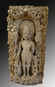 Vishnu - Kanauj, Dynastie des Chandella: Vishnu, British Museum, Londres Vishnu,