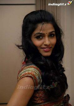 Beautiful Girl In India, Most Beautiful Indian Actress, Beautiful Saree, Indian Actress Images, Indian Girls Images, Indian Long Hair Braid, Braids For Long Hair, Cute Beauty, Beauty Full Girl