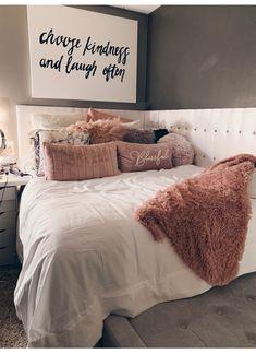 Teen Room Decors - Just another WordPress site Cute Room Decor, Teen Room Decor, Room Ideas Bedroom, Home Bedroom, Bedroom Decor, Bedrooms, Bedroom Inspo, Quirky Bedroom, Warm Bedroom