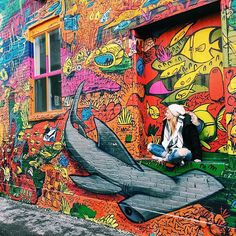 Even in the bitter cold Toronto winter, it's worth a visit to my favourite piece of street art. The whole building is this colourful, crazy underwater scene ❤️