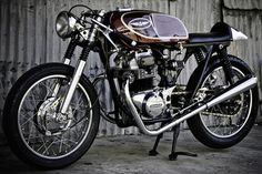 Vintage Cafe Racer #motorcycles #caferacer #motos | caferacerpasion.com