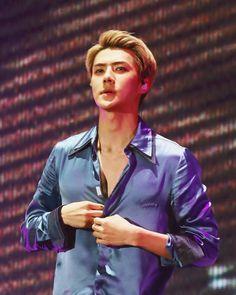 Sehun unbuttoning his shirt. Oh God. #OhSehun #LordOhSehun