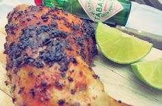 Chicken Piri Piri, spicy. Original portugiesisches Rezept Frango piripiri. Outdoor Küche für BBQ oder Ofen.