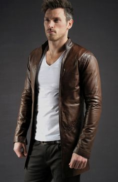 Men's Leather Jackets: How To Choose The One For You. A leather coat is a must for each guy's closet and is likewise an excellent method to express his individual design. Leather jackets never head out of styl Leather Jacket Outfits, Men's Leather Jacket, Leather Men, Leather Jackets, Custom Leather, Mode Masculine, Up Auto, Revival Clothing, Herren Outfit