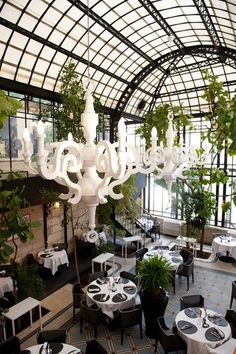 Use the information given here to make good roofing decisions *** For more tips, visit image link. Greenhouse Restaurant, Greenhouse Cafe, Glass Restaurant, Terrace Restaurant, Hotel Restaurant, Restaurant Design, Chez Jules, Cool Roof, French Restaurants