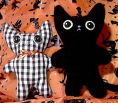 Cute! I want to come up with some of my own designs for little stuffed creatures too!